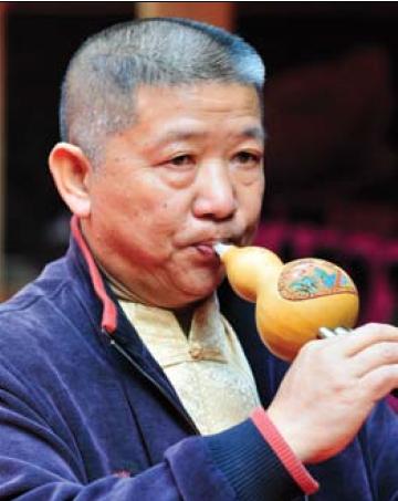 葫芦丝的传说——访傣族作曲家龚家铭
